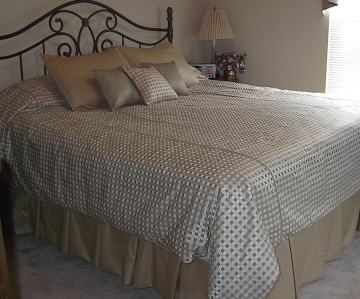 Bedroom - Coordinated bedding, dust ruffle and more!