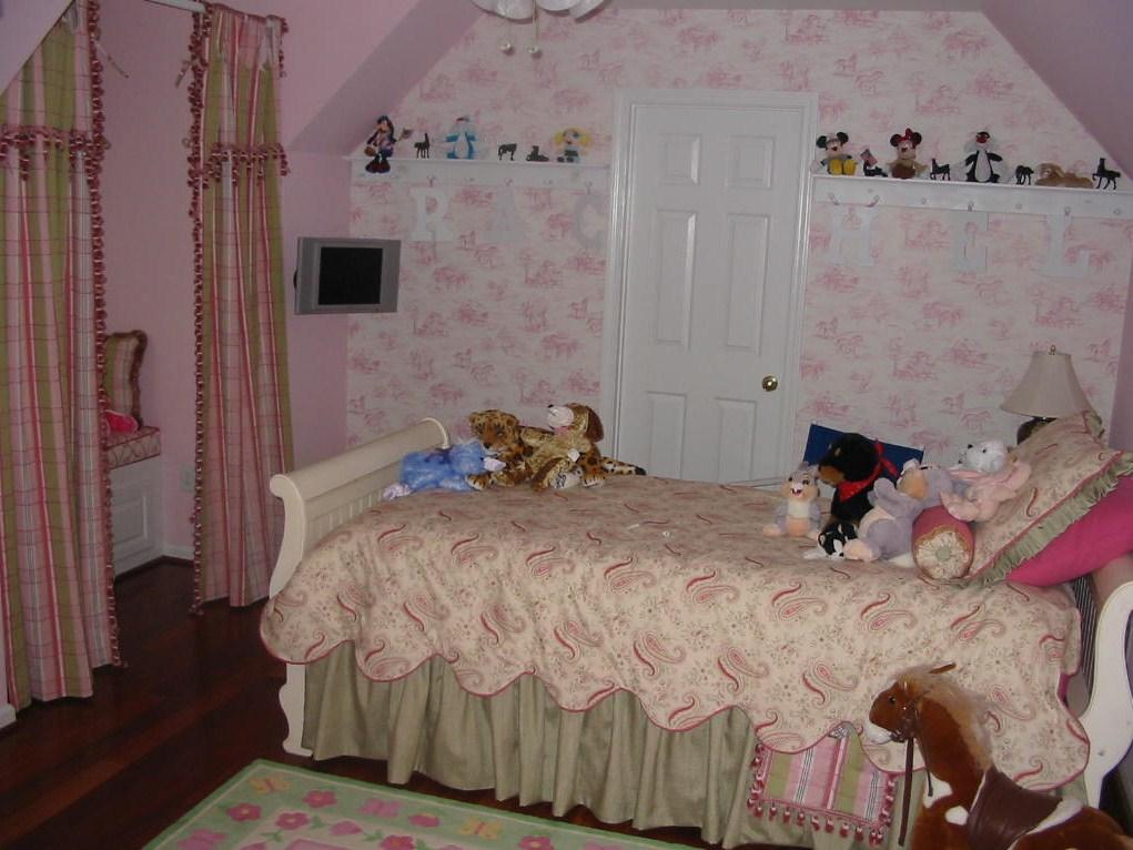 After Girl's Room Make over, Wallpaper, Bedding, etc.