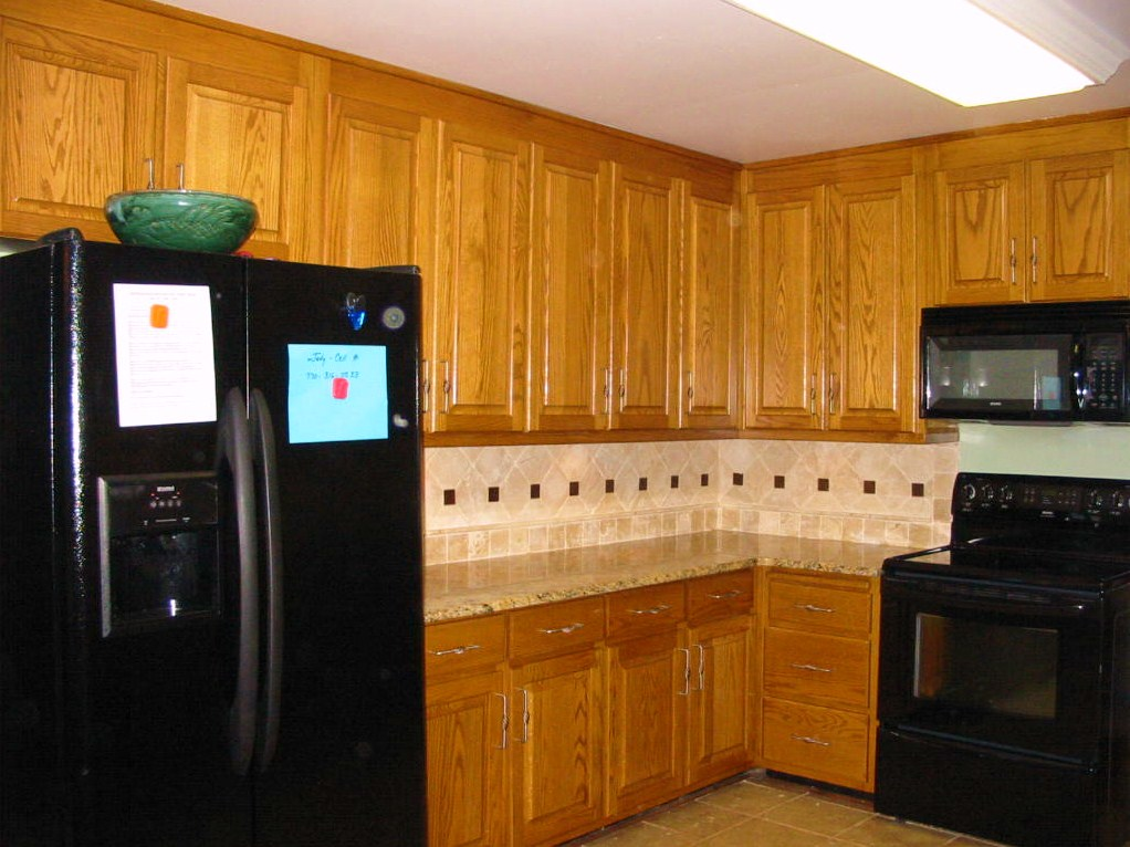 Kitchen - Renovation - Tile backsplash, hardware, granite.