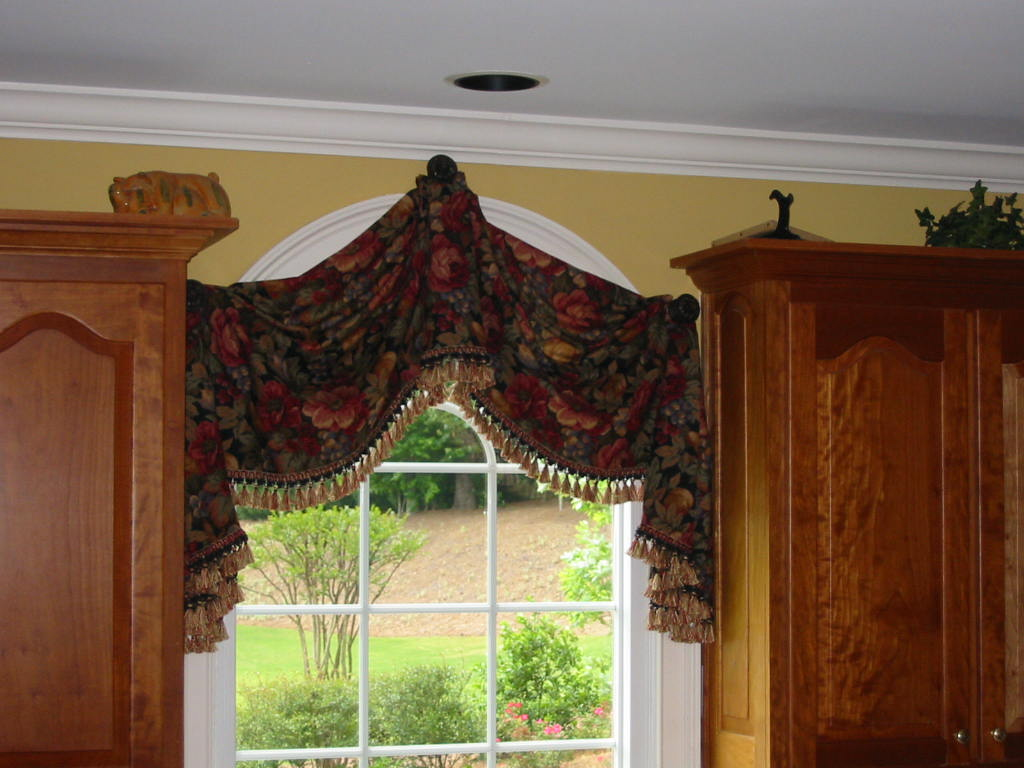 Custom window treatments for arched windows - Kitchen Lovely Top Treatment For Arch Window