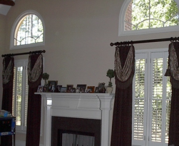 Family Room - Family Room with beautiful Window Treatment