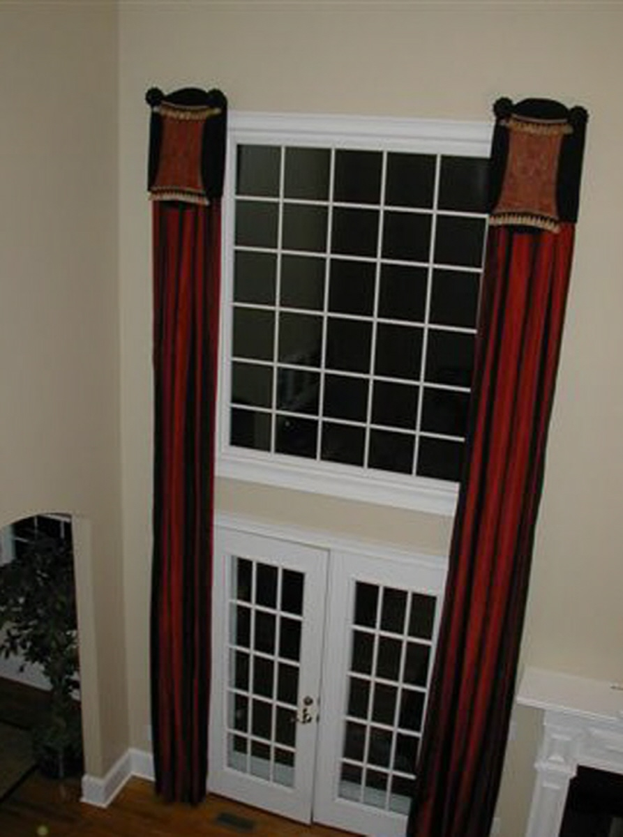 Family Room - Unique Window Treatments
